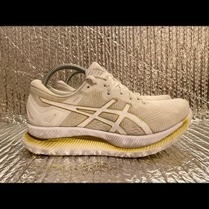 Asics GlideRide 1012A699 Gold Running Shoes Lace Up Low Top Women's Size 7.5
